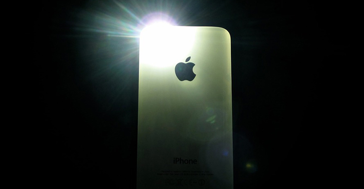 iphone flash