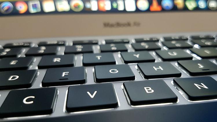 Apple registra il brevetto di una tastiera resistente alle briciole