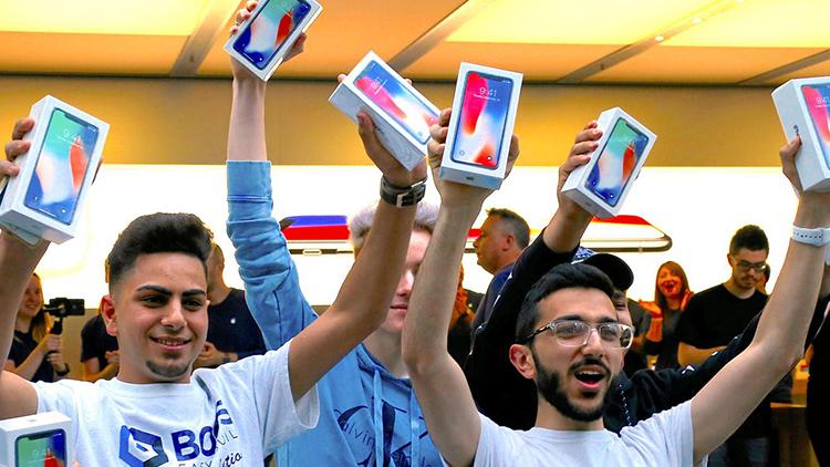 Gli analisti hanno sbagliato: il nuovo iPhone LCD non avrà un prezzo basso