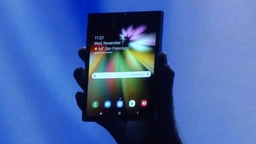 Samsung: i segreti dello smartphone pieghevole rubati e venduti ai cinesi