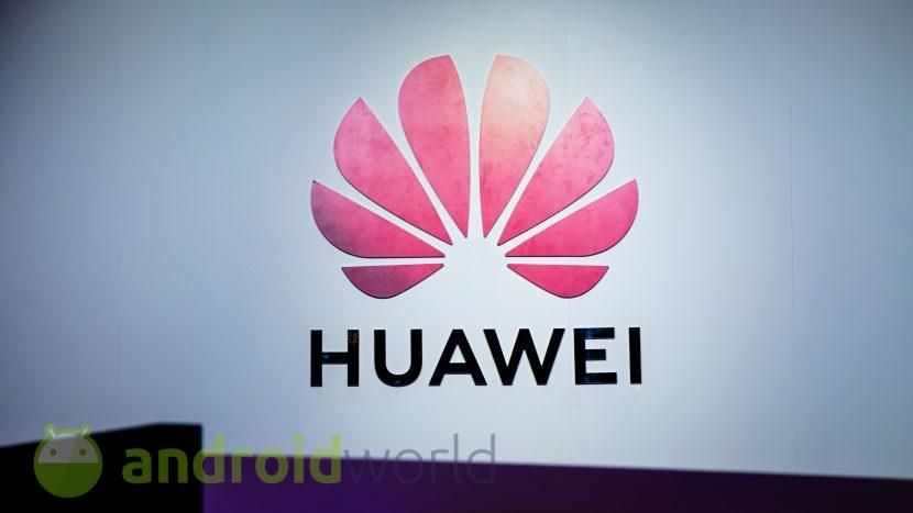 Huawei ha registrato i marchi P300, P400 e P500: che cosa bolle in pentola? (foto)